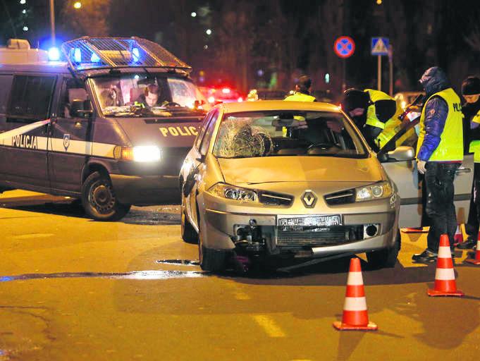 Biegli uznali, że kierowca renault, który w grudniu zgotował na ulicach Łodzi piekło kierowcom i pieszym, zakończone śmiercią mężczyzny na pasach, jest niepoczytalny.