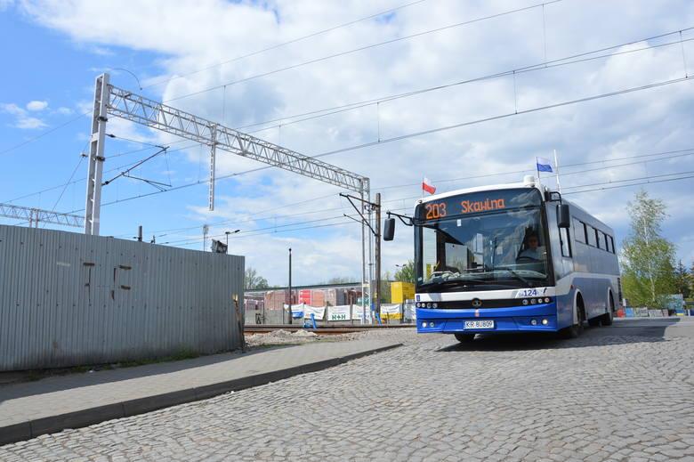 Skawina. W poniedziałek zostanie zamknięty przejazd kolejowy na ul. Tynieckiej. Autobus linii 203 zmieni trasę