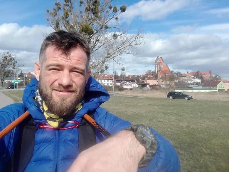 Wędrówka trwa od 27 marca. Niedługo Bartosz dotrze do Małopolski