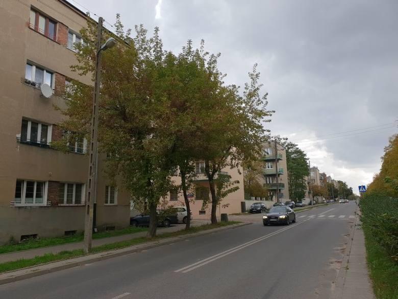 44-letni lokator mieszkania znajdującego się na parterze jednego z bloków przy ul. Srebrzyńskiej został zamordowany w swoim mieszkaniu pod koniec lipca.