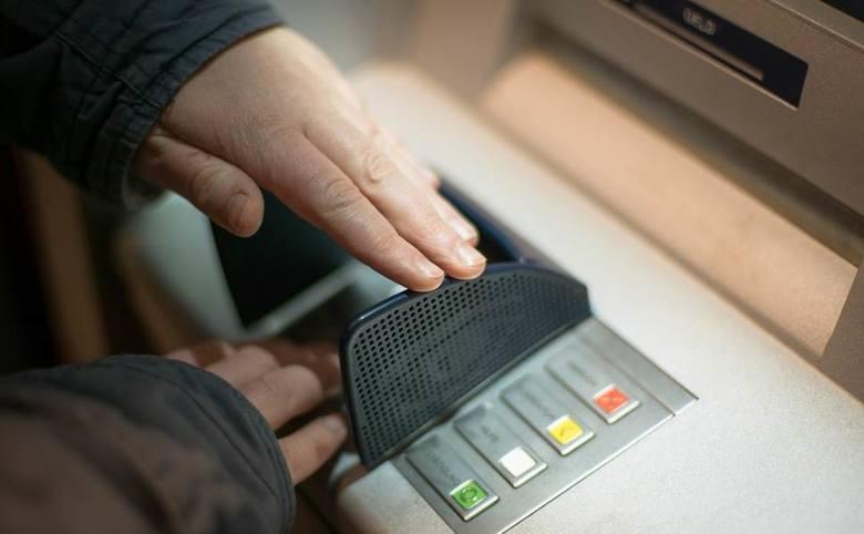 Duży bank ponownie wydał ostrzeżenie przed oszustwem. - Przestępcy wykorzystują kilka scenariuszy ataku i wciąż powstają nowe - informuje w specjalnym