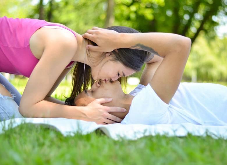 Dziś obchodzimy Światowy Dzień Pocałunku [6.07.2019] Najnowsze memy i demotywatory
