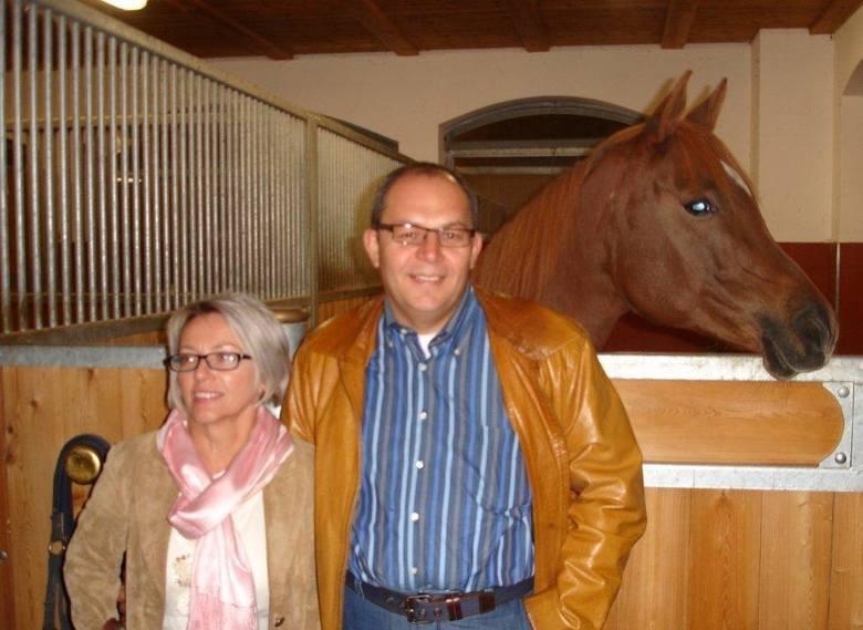 Małgorzata i Waldemar Kempińscy w najwyżej położonej w Europie stadninie koni należącej do Philippa Selvy