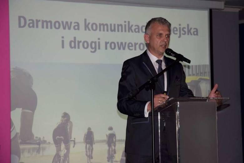 Kandydat PiS na prezydenta Gniezna Paweł Kamiński nielegalnie wykorzystał utwór grupy Artrosis w spocie wyborczym?