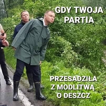 Andrzej Duda odwiedził tereny zagrożone powodzią, a internet zalała fala memów. Zobacz je na kolejnych slajdach galerii.Zobacz kolejne zdjęcia. Przesuwaj
