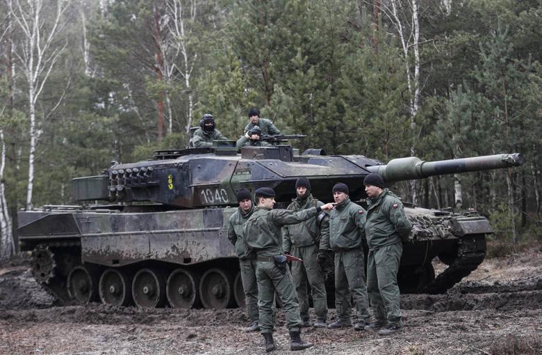 Elitarna 1 Warszawska Brygada Pancerna ćwiczyła na poligonie w Nowej Dębie. Zobaczcie zdjęcia naszego fotoreportera.