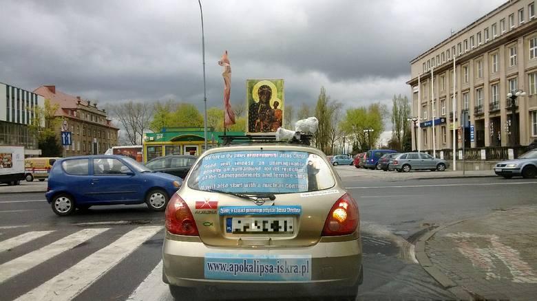 Tak wygląda auto, na wrocławskich numerach rejestracyjnych, które pojawiło się na ulicach Zielonej Góry
