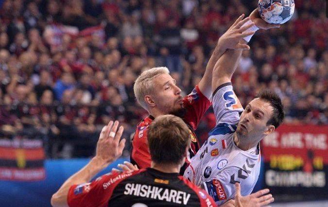 Piłkarze ręczni PGE VIVE Kielce zremisowali w sobotę wyjazdowy mecz Ligi Mistrzów z Vardarem Skopje 28:28. To nie był dobry występ mistrzów Polski, choć
