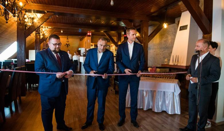 Grzegorz Schetyna był na otwarciu restauracji Węgrzyna na Górze św. Anny w sierpniu 2017 r. Czy pomoże mu wrócić do polityki?