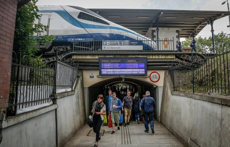 Bilety na pociągi PKP Intercity tańsze nawet o blisko 70 proc. można kupić od kilku dni dzięki wyszukiwarce tanich połączeń.Jak to działa? Gdzie ich