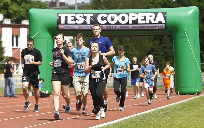 Tłumy rzeszowian sprawdzają swoją kondycje fizyczną na corocznym Teście Coopera.