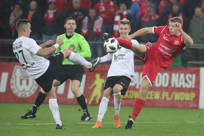 Po meczu piłkarzy Widzewa w Łodzi.  Lider drugiej ligi  znów  zawiódł