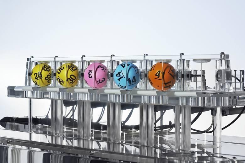 LOTTO WYNIKI 16.07.2020 r. Do wygrania 4 mln zł! Numery Lotto, Lotto Plus, Super Szansa, Multi Multi, Kaskada. Losowanie NA ŻYWO 16.07.2020