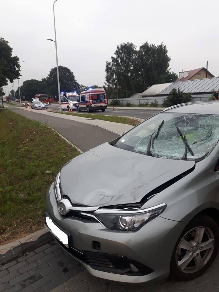 Jak udało nam się dowiedzieć, do potrącenia pieszej doszło dziś około 6 rano na ul. Legionów w Pilźnie. Służby zabezpieczyły miejsce wypadku oraz udzieliły
