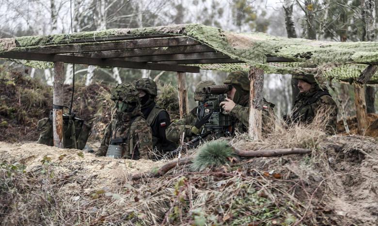 """Międzynarodowe ćwiczenia wojskowe """"Lampart 18"""" na poligonie w Nowej Dębie.CZYTAJ TEŻ: Na poligonie w Nowej Dębie zmarł żołnierz. Trwa"""