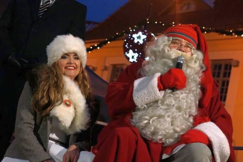 Mikołaj z Rovaniemi rozświetlił miasto (zdjęcia, wideo)