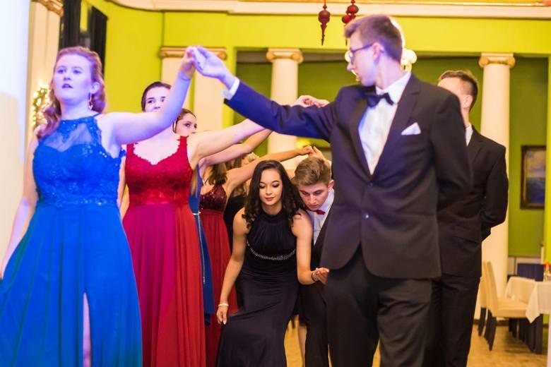 11.01.2019 r., swoją studniówkę świętowali uczniowie klasy maturalnej Zespołu Sportowych Szkół Ogólnokształcących w Gdyni. Impreza odbyła się w Klubie