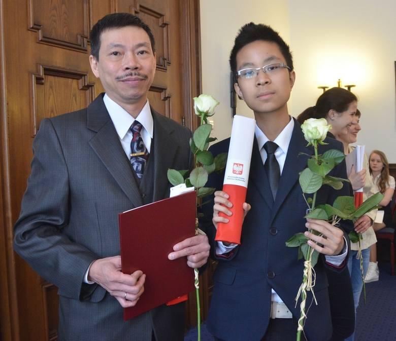 Huong Vuong Do przyjechał do Polski w 1988 r. Jego syn (Tran Vinh Do) urodził się już w Polsce.