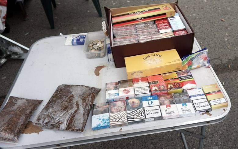 Jak zawsze na ulicy Ceglanej oferowano tytoń i papierosy. Do wyboru były fajki ukraińskie, w tym bardzo ostatnio poszukiwane papierosy mentolowe w cenie