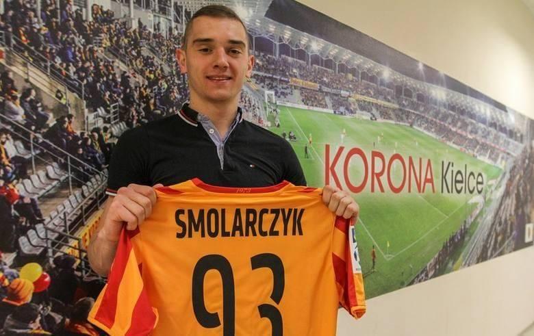 Były piłkarz Korony Kielce Michał Smolarczyk podpisał umowę z Zenitem Chmielnik. Będzie obowiązywać do końca obecnego sezonu. Michał Smolarczyk ma 26