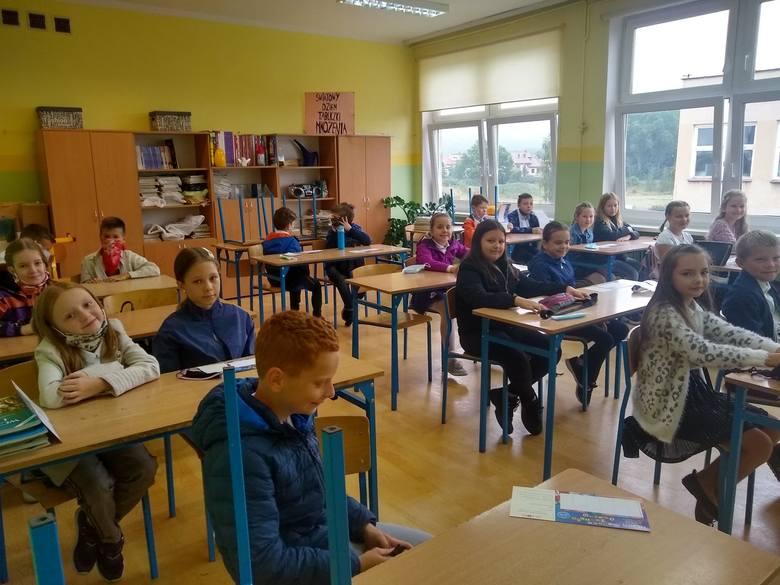 Rozpoczęcie roku szkolnego 2020/21 w SP-18, SP-6  oraz w Zespole Szkół Sportowych i Ogólnokształcących w Zielonej Górze