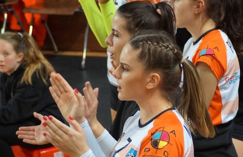 Pierwszoligowe siatkarki KSZO Ostrowiec Świętokrzyski przegrały we własnej hali z drużyną Enea Energetyk Poznań 0:3.KSZO Ostrowiec Świętokrzyski – Energetyk