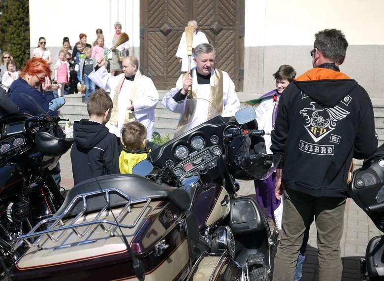Dorocznym zwyczajem ksiądz proboszcz Janusz Konysz w parafii św. Antoniego z Padwy zorganizował święconkę wielkanocną dla motocyklistów. Zapraszamy do