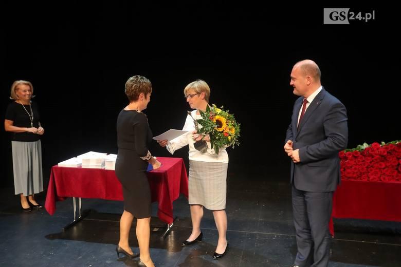 W Teatrze Lalek PLECIUGA w Szczecinie miała miejsce uroczystość wręczenia Nagród Prezydenta Miasta Szczecina z okazji Dnia Edukacji Narodowej. Nagrodami
