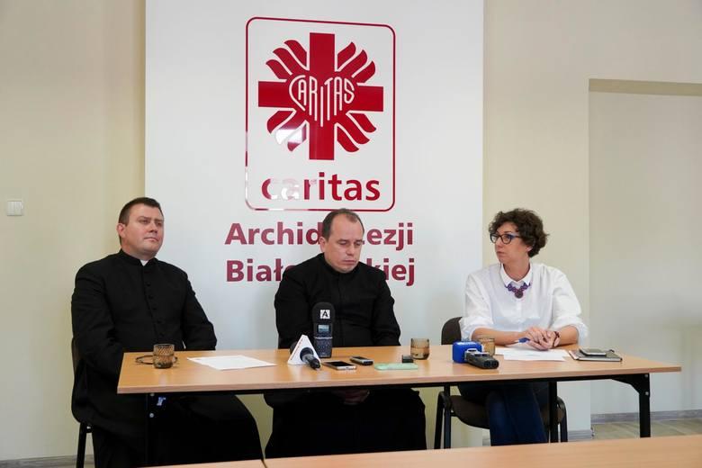 31.07.2019 bialystok konferencja caritas plecaki  fot. anatol chomicz / gazeta wspolczesna / kurier poranny / polska press