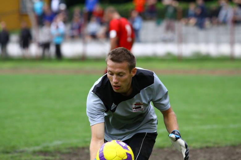 Bramkarz Startu Paweł Kuleszka nie miał szans na skuteczną interwencję w doliczonym czasie gry.