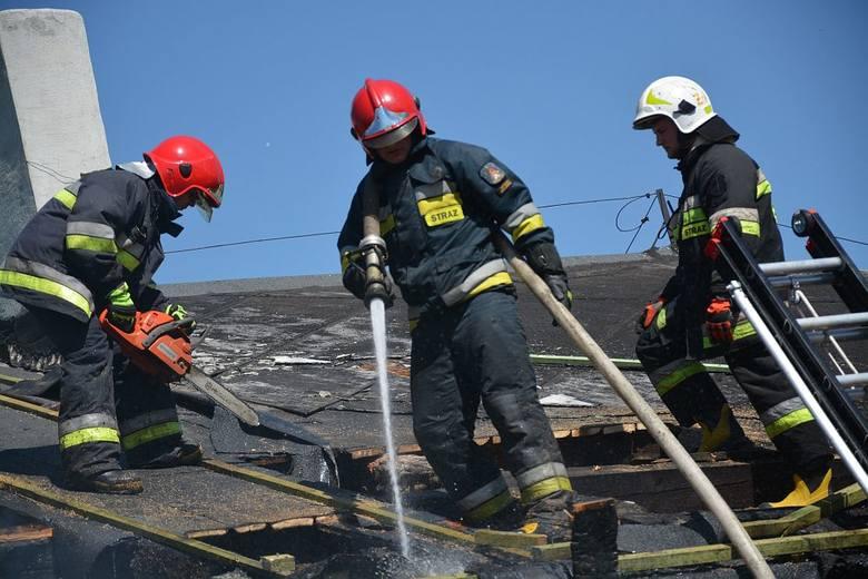 Już wiadomo, jaka jest przyczyna pożaru budynku wielorodzinnego w Dziednie, do którego doszło we wtorek, 8 maja. Jeden z mieszkańców na własną rękę prowadził