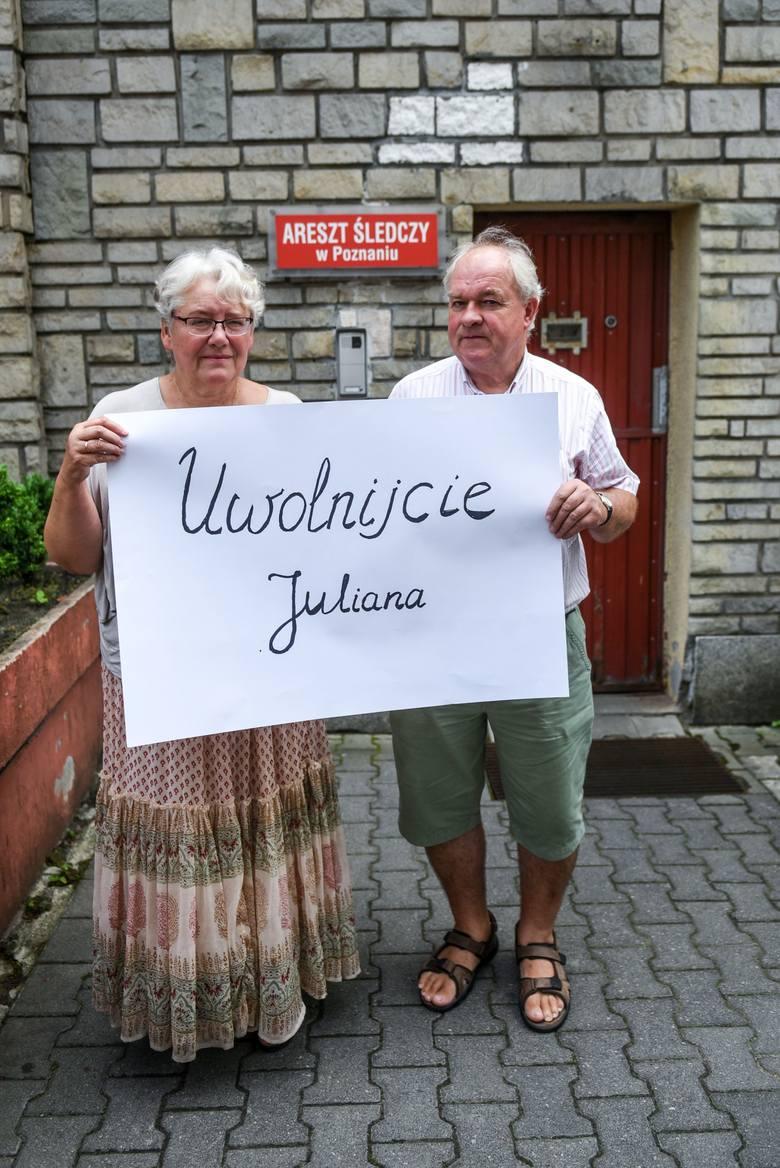 Rodzina Juliana uważa, że prokuratura i sąd grubo przesadziły, decydując o aresztach dla 27-latka