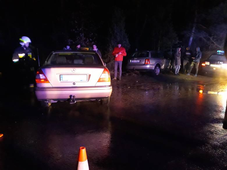 Zderzenie dwóch aut osobowych w Koronowie. Jedna osoba trafiła do szpitala.