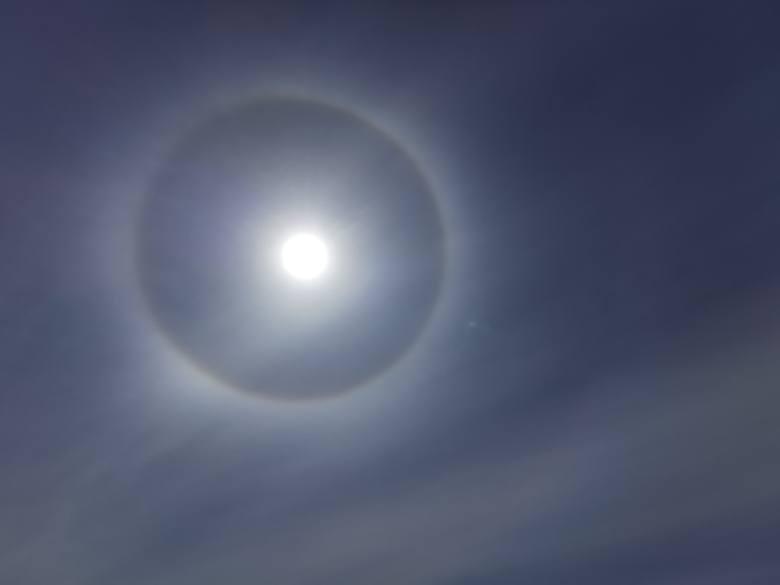 W sobotę w wielu miejscach na Podkarpaciu można było zobaczyć na niebie ciekawe zjawisko - tzw. fekt halo.