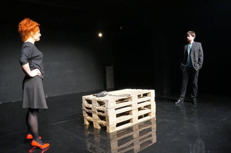 Teatr Dramatyczny. Ławeczka już w piątek (zdjęcia, wideo)