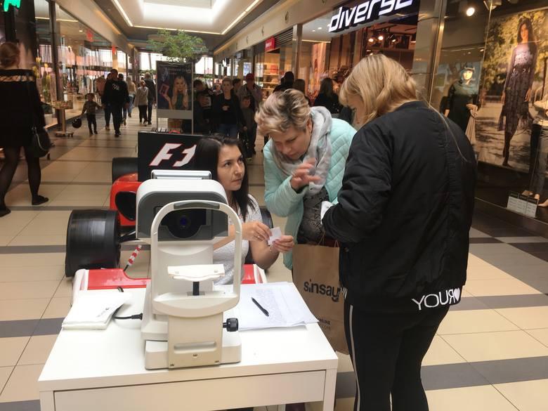 W niedzielę, 29 września, w Galerii Bursztynowej można m.in. bezpłątne zbadać wzrok, skórę głowy, można wykonać EKG...