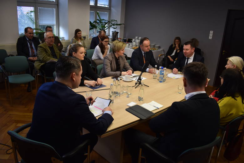 10 marca w Siechnicach odbyła się debata poświęcona zagospodarowaniu zabytkowych obiektów Elektrociepłowni Czechnica