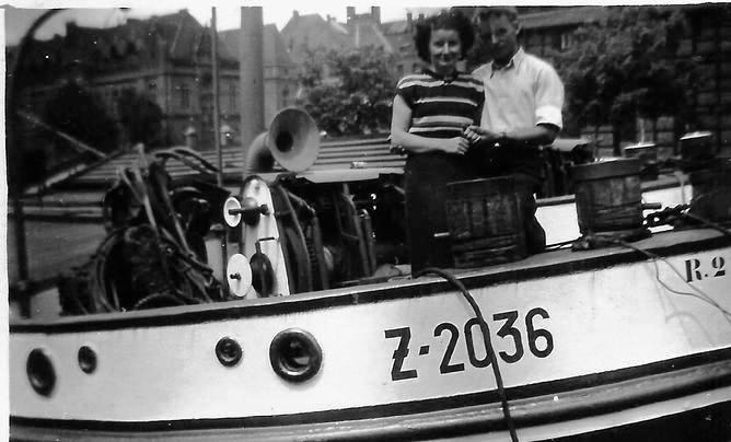 Zygmunt Tuszyński z żoną na upaństwowionej barce Z-2036