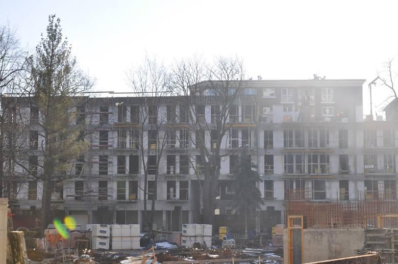 Przebudowa dawnego szpitala im. Babińskiego przy pl. Jana Pawła II w kompleks Bulwar Staromiejski