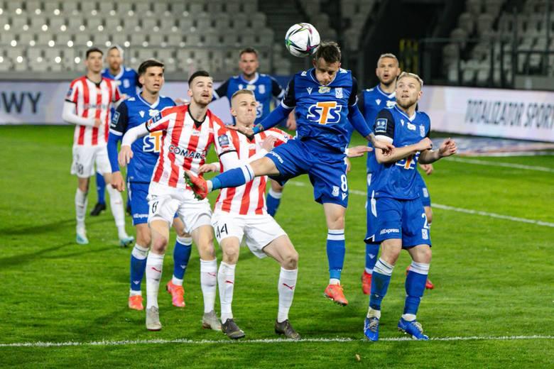 Lech Poznań przegrał po raz ósmy w tym sezonie PKO Ekstraklasy. Kolejorz kolejkę temu podał rękę będącej w kryzysie Jagiellonii, a teraz podobnie zrobił