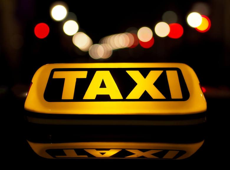 Troje mieszkańców Krosna oskarżonych o pobicie taksówkarza. Pobili go, bo nie chciał zabrać psa