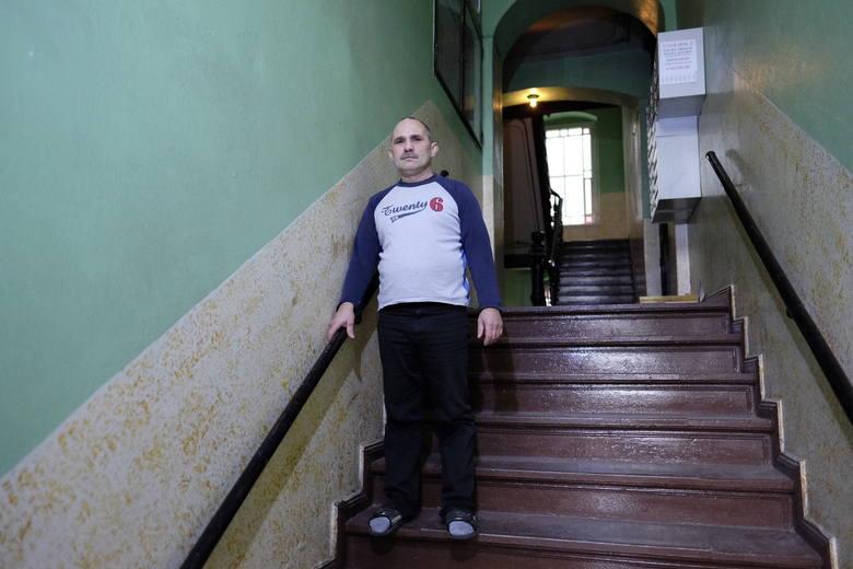 Dariusz Hupa na karetkę pogotowia, którą wezwał do cierpiącej córki, czekał 45 minut