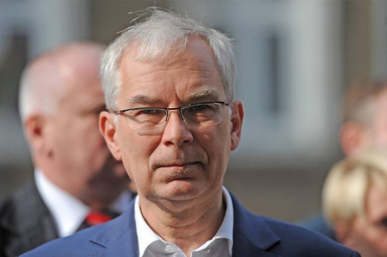 Szef Unii Pracy podkreśla też, że jest w tej chwili jedynym realnym kandydatem lewicy. - Mój sukces w debacie jest spowodowany dyktatorskim postępowaniem