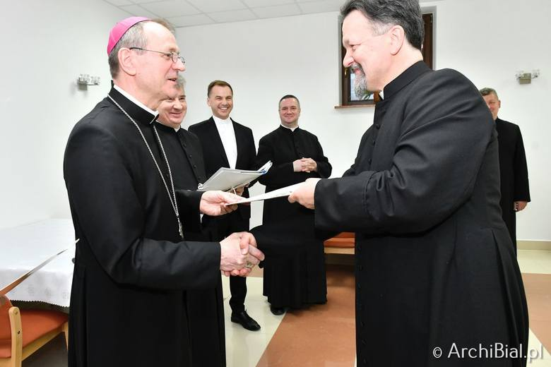 Archidiecezja Białostocka ma nowych proboszczów. Nominacje otrzymało 13 kapłanów [ZDJĘCIA]
