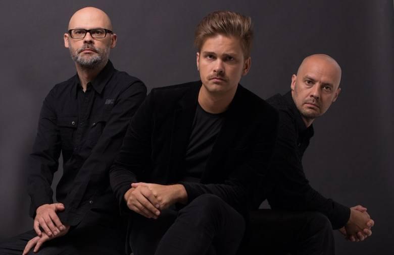 Projekt kontrabasisty Marcina Olesia i perkusisty Bartłomieja Olesia – wybitnych jazzowych improwizatorów z trzydziestoma płytami na koncie – jest już