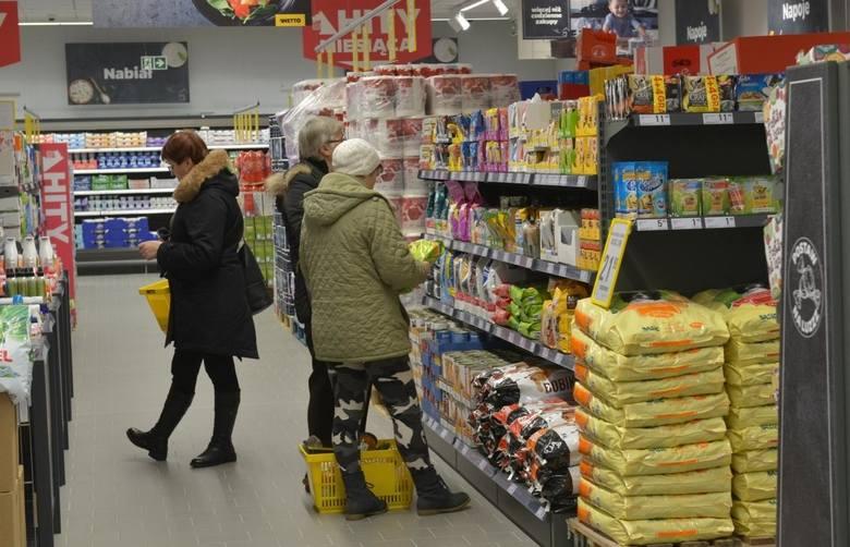 Sprawdź, jak zmieniły się ceny podstawowych produktów w ciągu roku
