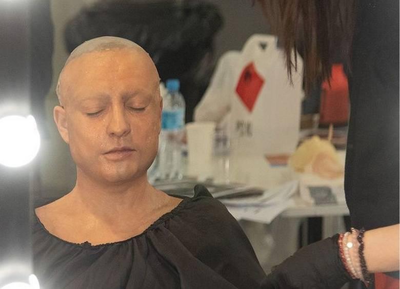 """Magda Narożna zupełnie bez włosów! Wokalistka zespołu """"Piękni i Młodzi"""" pokazuje przygotowania do """"Twoja twarz brzmi znajomo"""""""