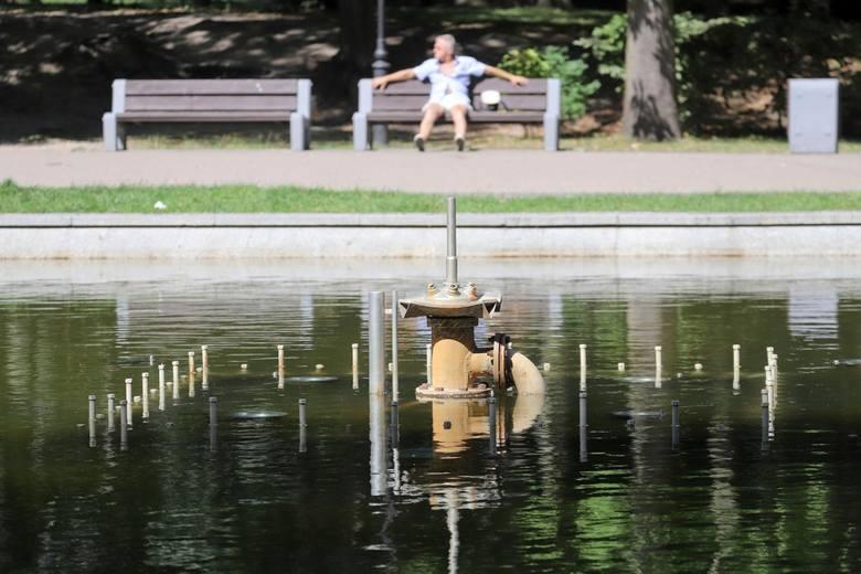Park Planty ciągle bez swojej największej atrakcji. Najpiękniejsze fontanny nadal nie działają. Naprawa awarii potrwa jeszcze wiele tygodni.