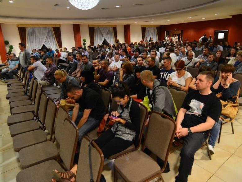 Pracownicy sklepów Avans chcą kupić upadłą spółkę DomexPodpisanie aktu notarialnego na podstawie którego powstała nowa spółka pracownicza, zakończyło