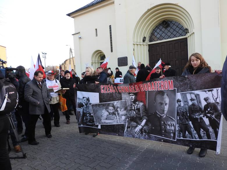 I Hajnowski Marsz Żołnierzy Wyklętych odbył się w 2016 roku. Uczestników nie wpuszczono do kościołów.